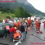 Verkehrsunfall fordert 2 Tote und 7 Schwerverletzte