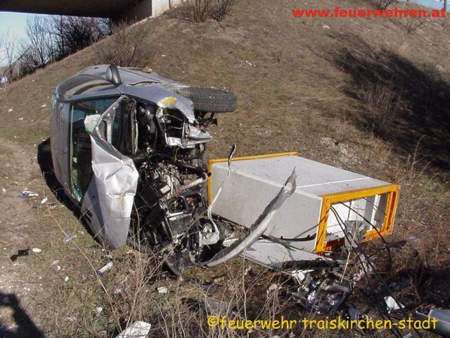 Fahrzeugbergung auf der Südautobahn