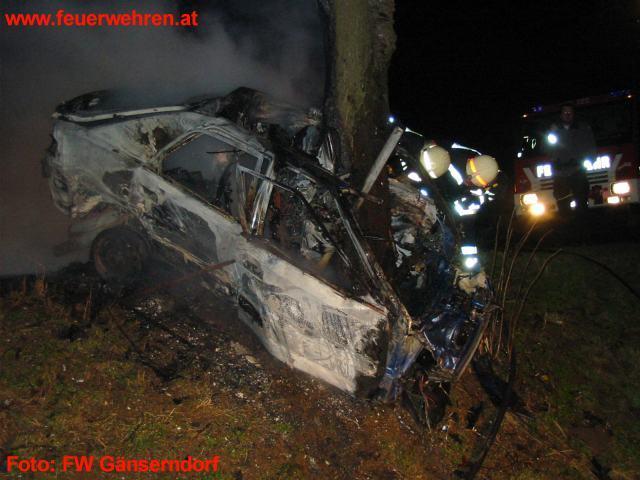 Feuertod nach Verkehrsunfall