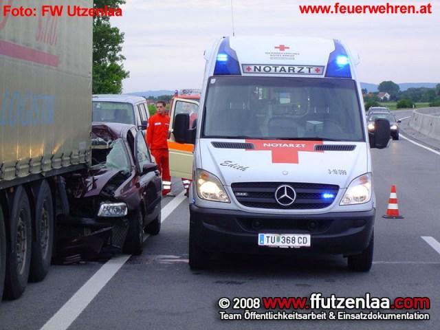 Verkehrsunfall PKW und LKW auf der S5