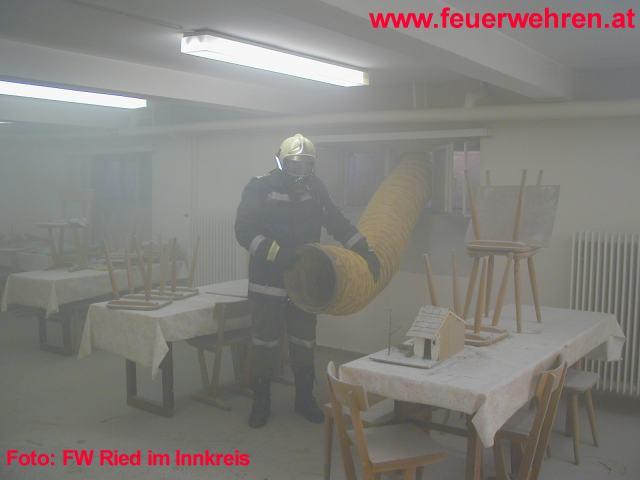 Feuerwehrmann in Schule