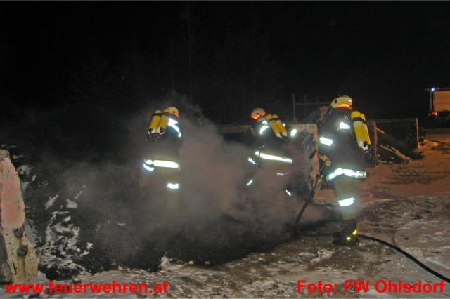 Altreifenbrand in Ohlsdorf rasch unter Kontrolle