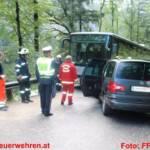 Taxiunternehmen kollidiert mit Linienbus