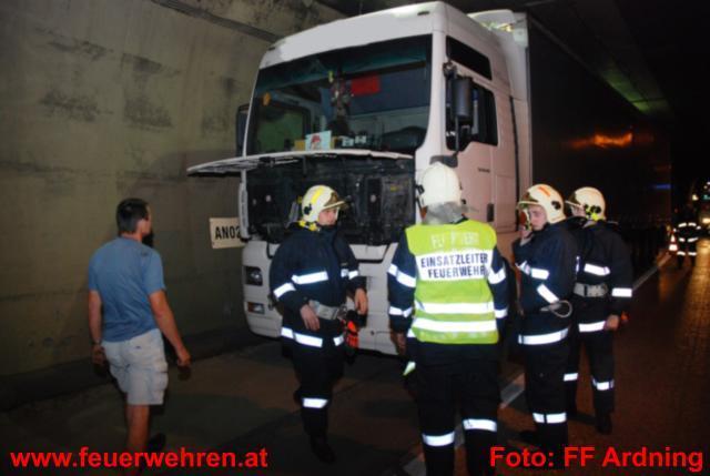 LKW-Turboladerbrand im Bosrucktunnel