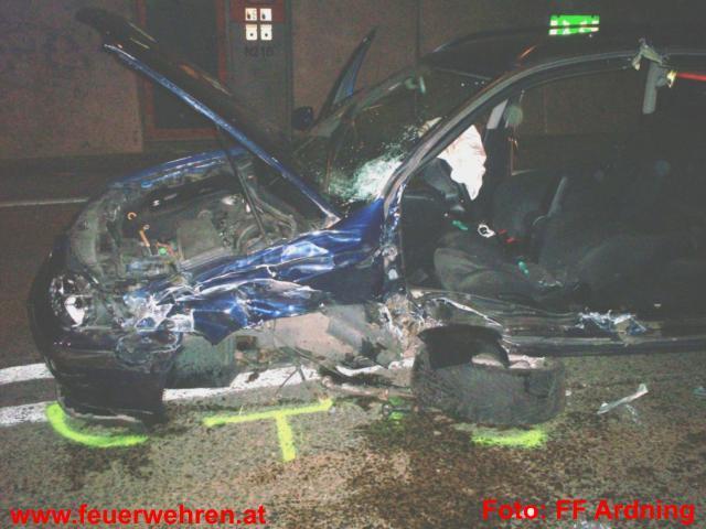 Schwerer Verkehrsunfall im Bosrucktunnel