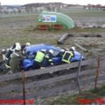 Schwerer Verkehrsunfall - Pkw stürzte über Böschung
