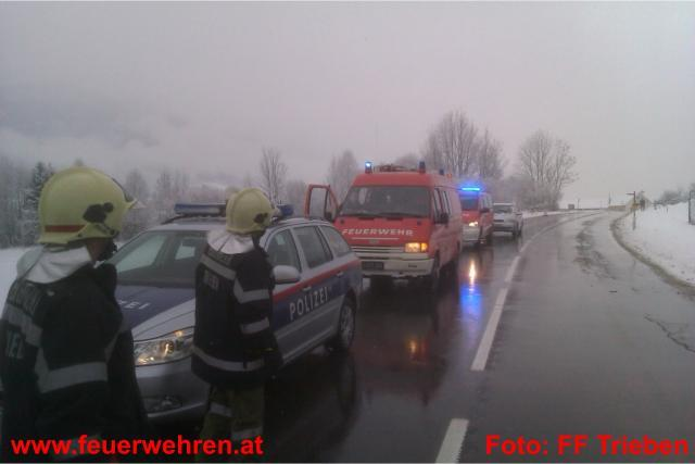Spektakulärer Verkehrsunfall auf der B113