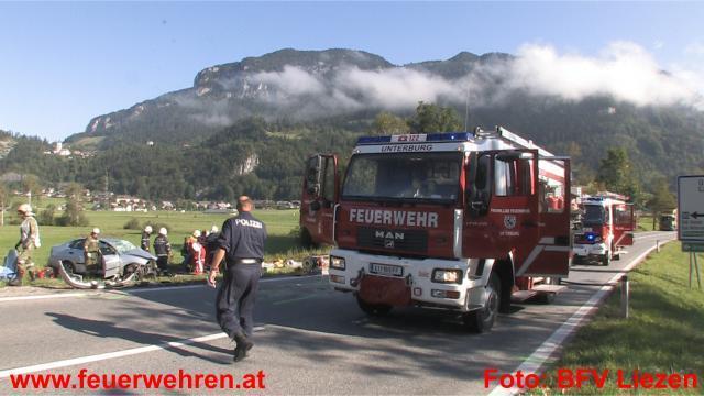 Schwerer Verkehrsunfall Kreuzung Trautenfels / B320