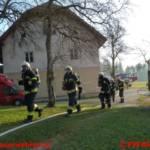 Übung Wirtschaftsgebäude in Flammen
