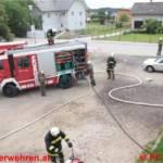 Einsatzübung mit Überraschung - Rauch aus dem Gerätehaus
