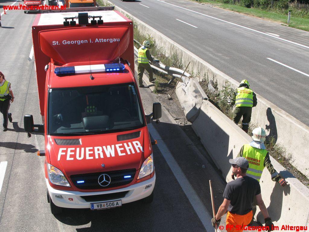 Verkehrsunfall auf der A1 bei St. Georgen im Attergau