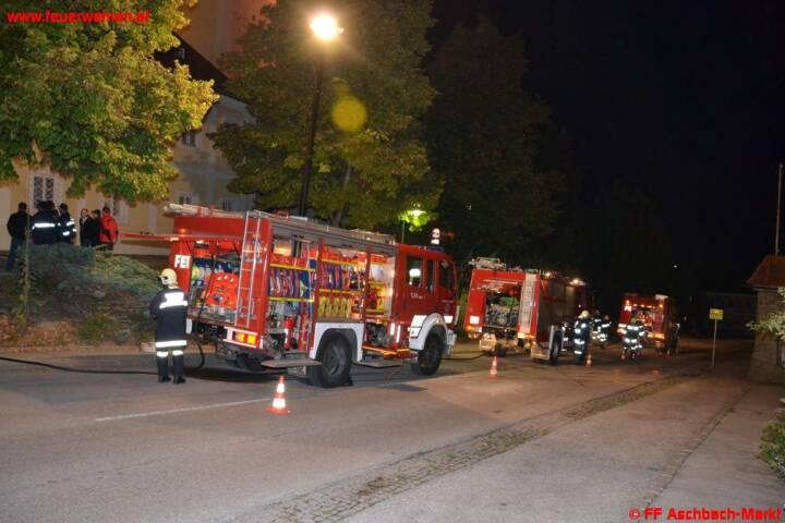 UE: Brand im Pfarrhof Aschbach – Mehrere Kinder vermisst