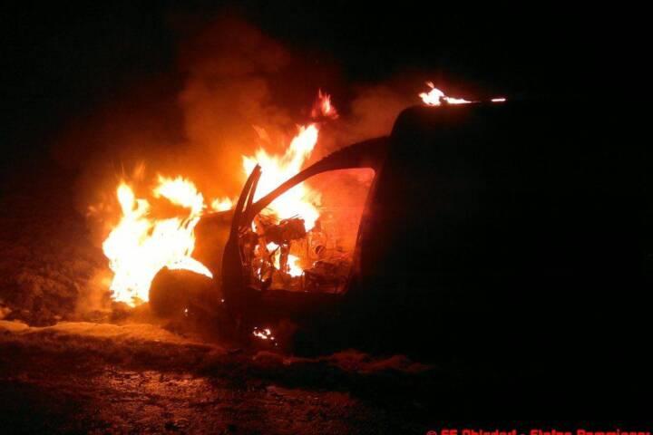 Fahrzeug in Ehrendorf ausgebrannt