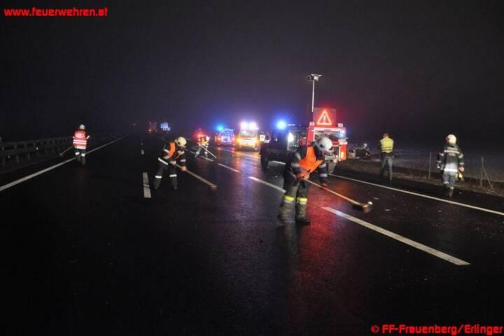 A9: LKW schoss PKW von der Autobahn