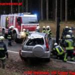 Menschenrettung nach Fahrzeugüberschlag