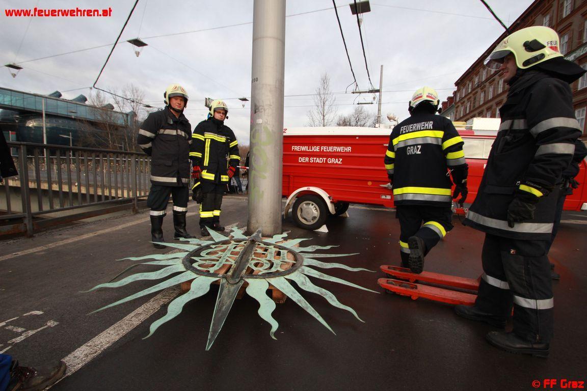 FF Graz 15 Stunden durchgehend im Einsatz
