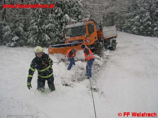 Schneepflugbergung nach Ausweichmanöver