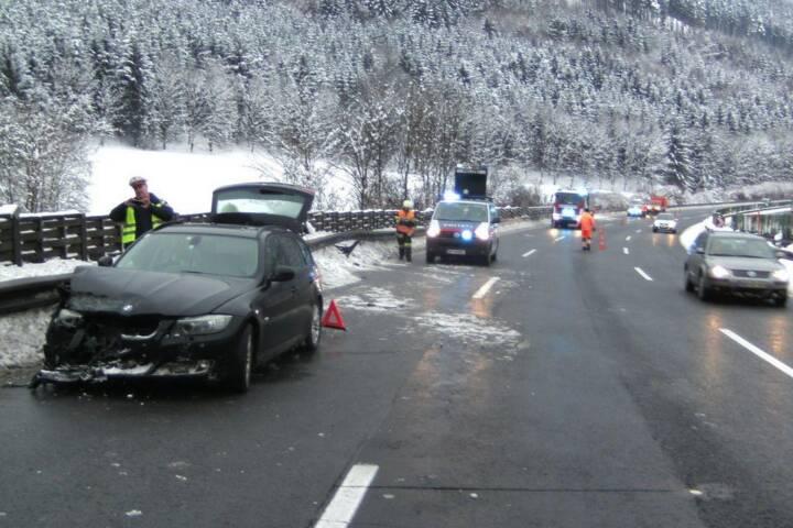 Verkehrsunfall S6 Fahrtrichtung Bruck vor Massenbergtunnel