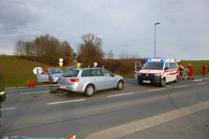 FF Stegersbach: Schwerer Verkehrsunfall Bocksdorf 3