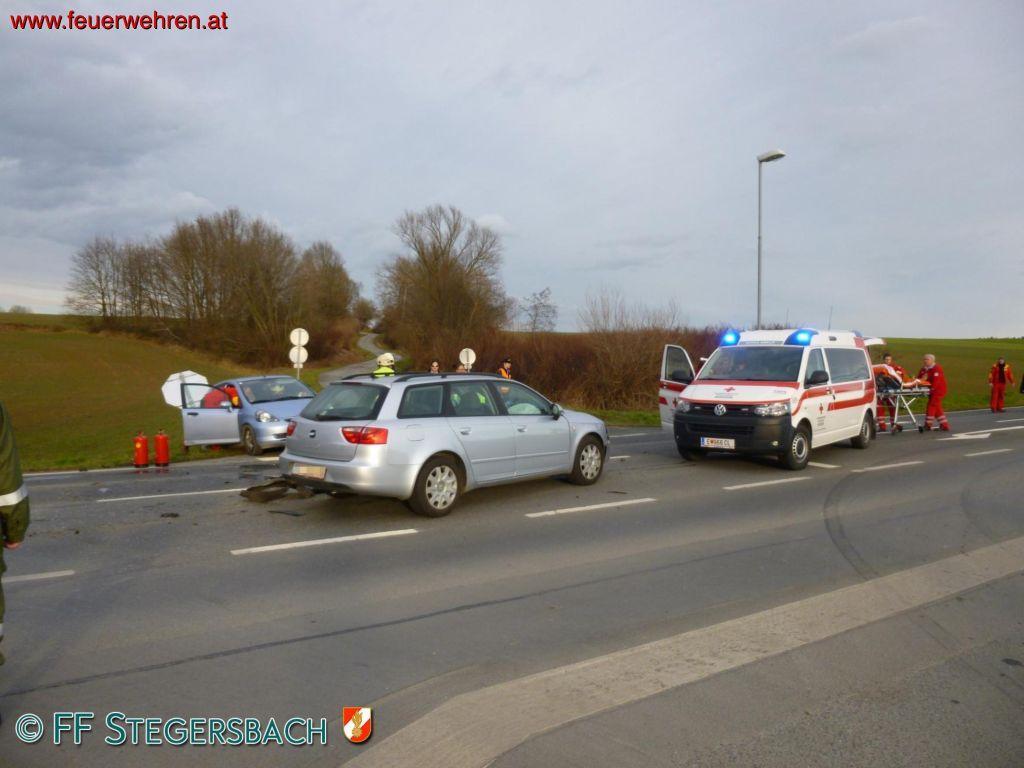 FF Stegersbach: Schwerer Verkehrsunfall Bocksdorf 1