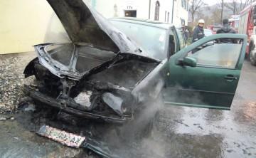 FF Leoben-Stadt: Fahrzeugbrand Murweg