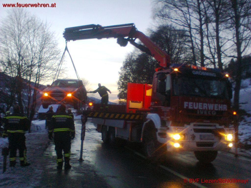 BFV Liezen: VU mit Folgeunfall fordert 14 Verletzte, davon 8 Feuerwehrmänner 1