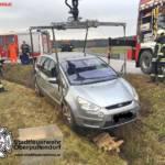 Stadtfeuerwehr Oberpullendorf: Fahrzeugbergung in Unterfrauenhaid 3