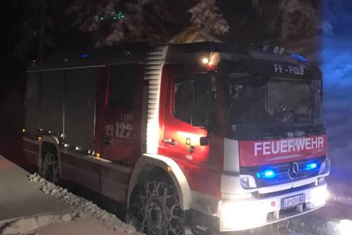 Technische Hilfeleistung - Fahrzeugbergung auf 1900m Seehöhe bei 40cm Neuschnee und dichtem Schneefall 1