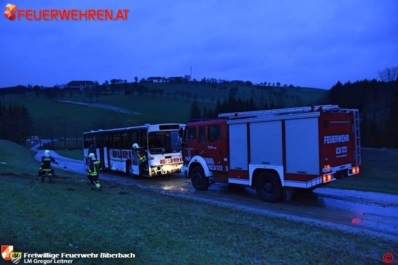FF Biberbach: Großangelegte Einsatzübung von Feuerwehr und Rotem Kreuz 1