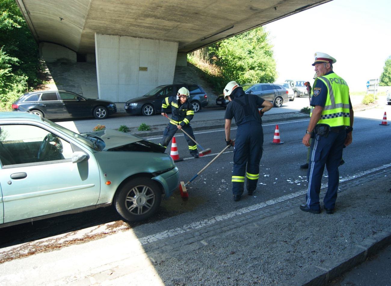 Verkehrsunfall in Laab 1