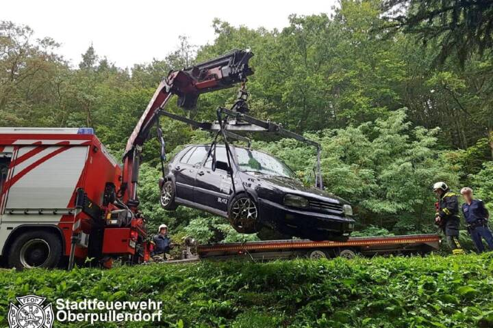 STF Oberpullendorf: Fahrzeugbergung auf der B50 3