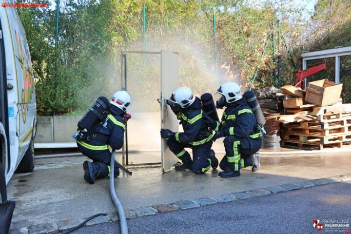 FF Brunn am Gebirge: Brandheiße Ausbildung 2