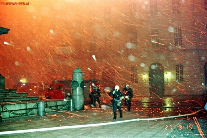 BF Wien: Brand der Hofburg vor 25 Jahren 1