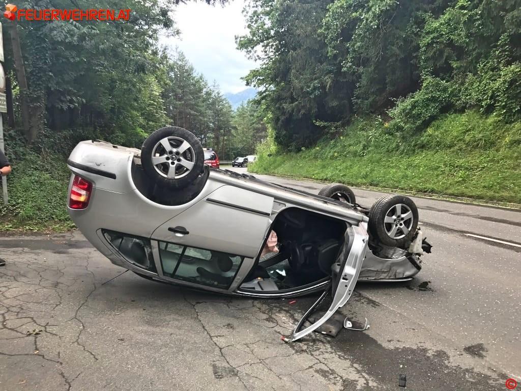 FF Leoben-Stadt: Menschenrettung und Verkehrsunfall 1