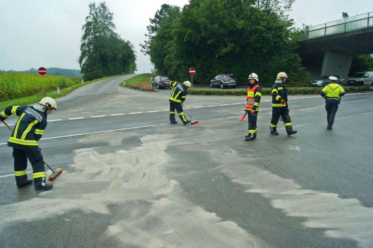 Ölaustritt nach Mopedunfall 1