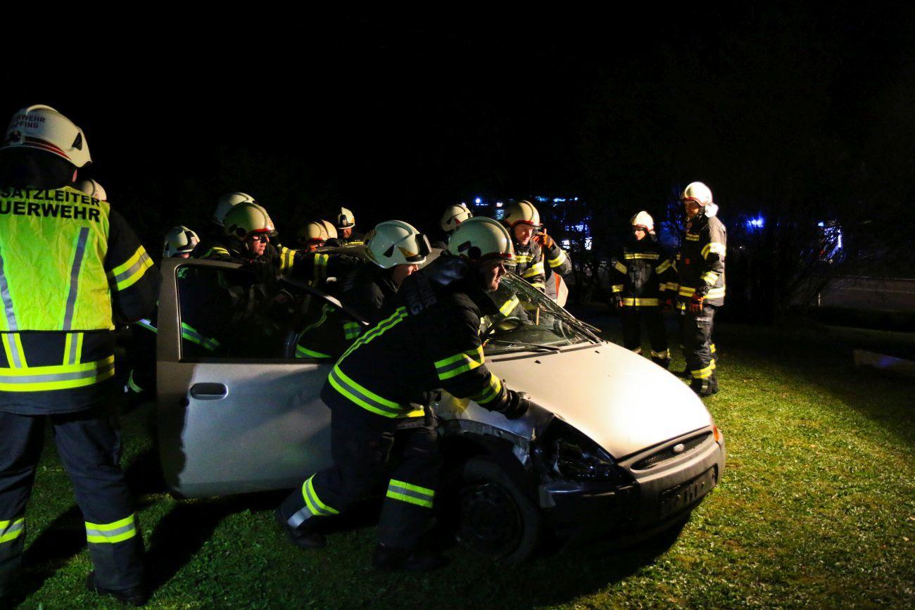Verkehrsunfall mit schwerverletzter Person 1