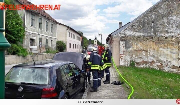 FF Pettendorf:  Fahrzeugbrand in Gaisruck 1