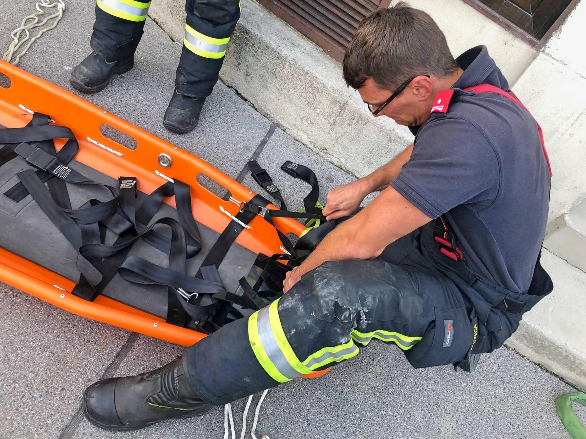 FF Klosterneuburg: 230 Kg schwerer Mann gerettet 1