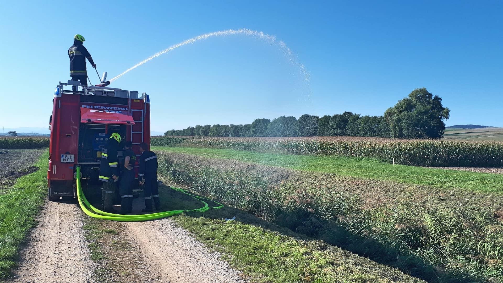 Gesamtübung bei der FF Statzendorf - Wasserversorgung von offenen Gewässern