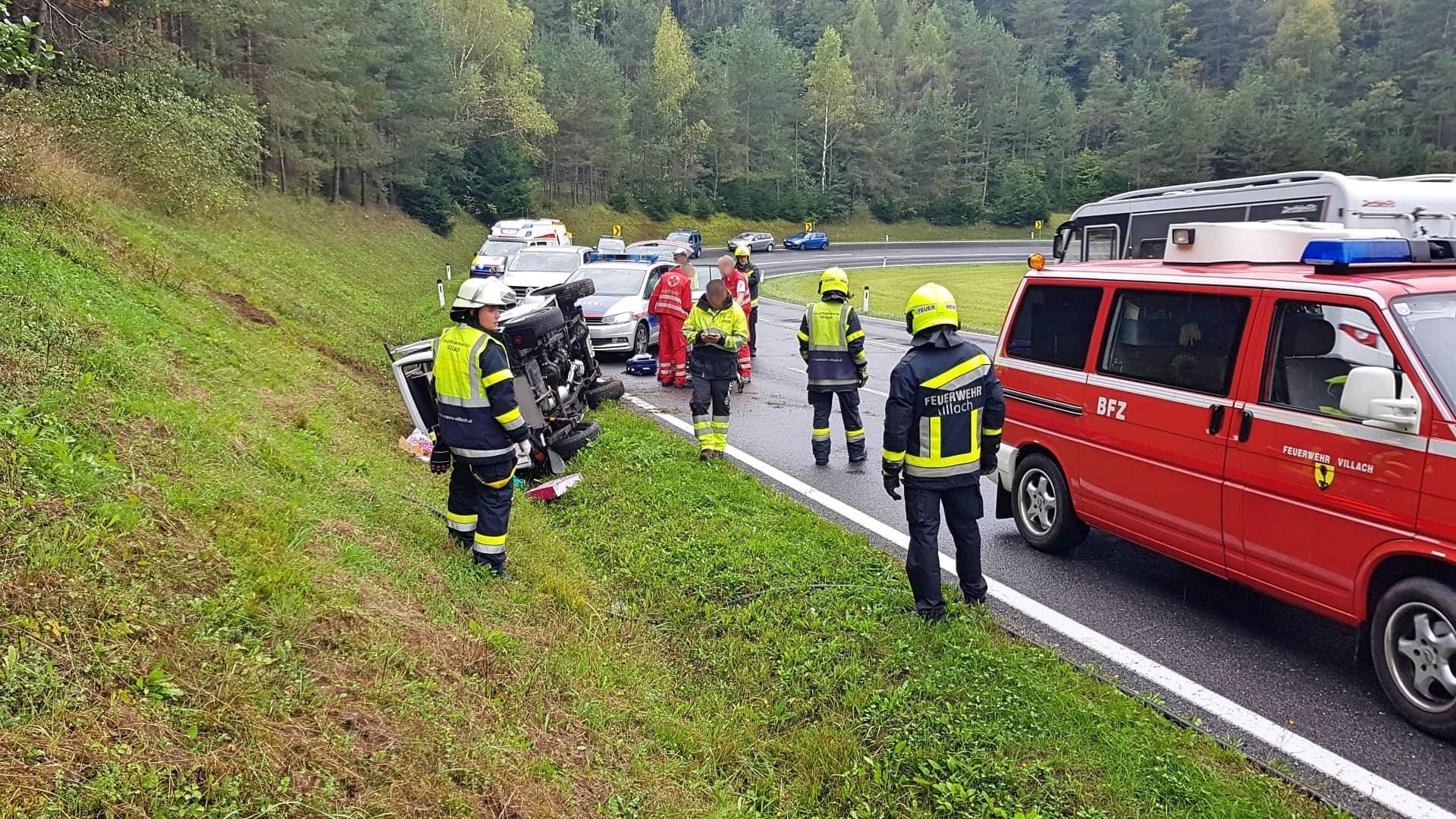 Verkehrsunfall - PKW überschlagen