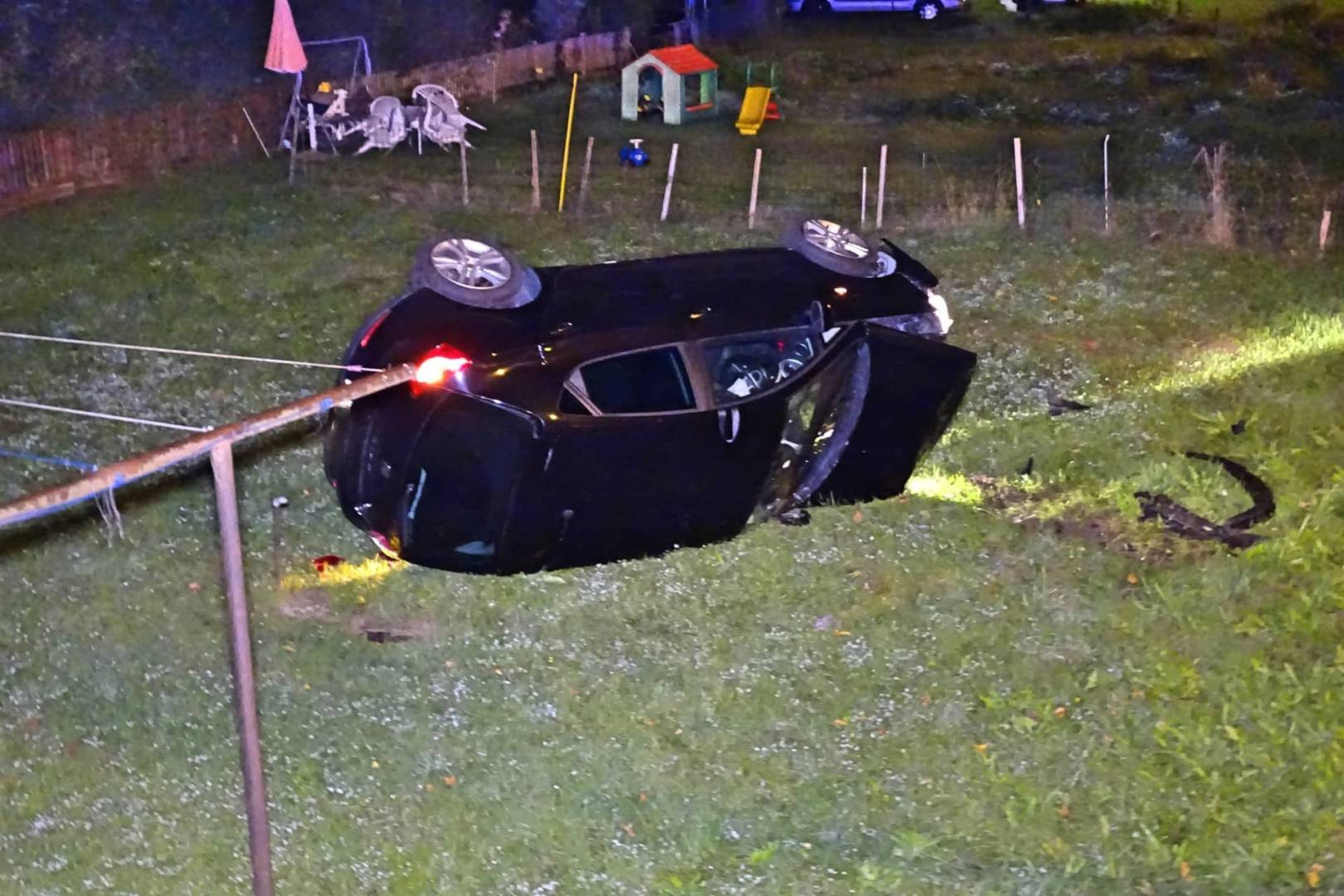 Fahrzeugüberschlag in Ternitz