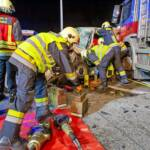 Menschenrettung nach Verkehrsunfall auf der S5