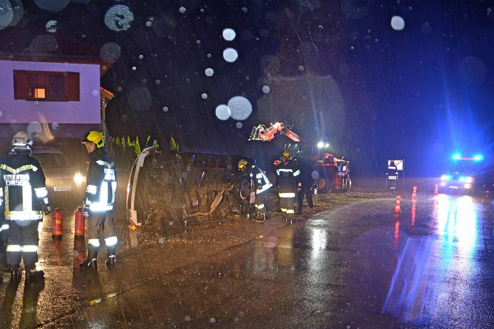 Unfall mit Kleintransporter in Heinreichs (Gemeinde Vitis)