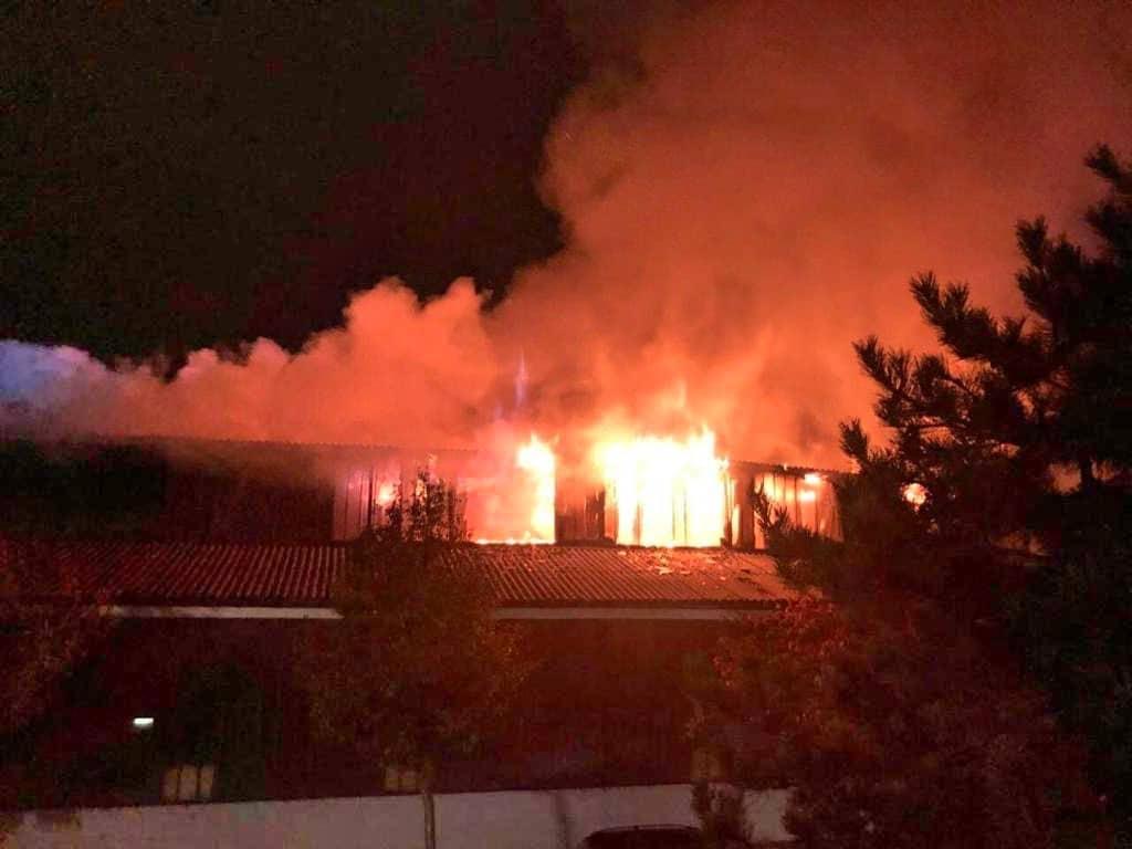 Brand einer Halle in Wien - Liesing