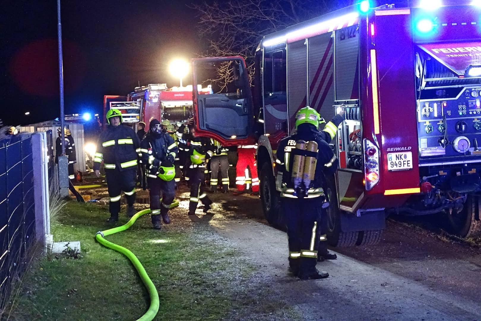 71 Florianis rückten zu Dachstuhlbrand aus