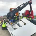 Verkehrsunfall auf der A2 - Audi kracht in Absicherungsfahrzeug