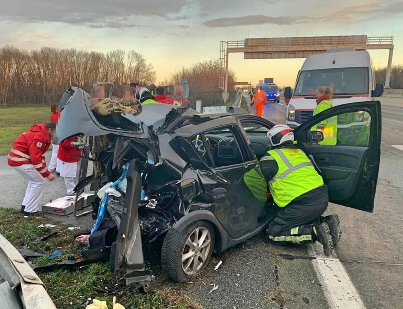 Schwerer Verkehrsunfall fordert eine verletzte Lenkerin