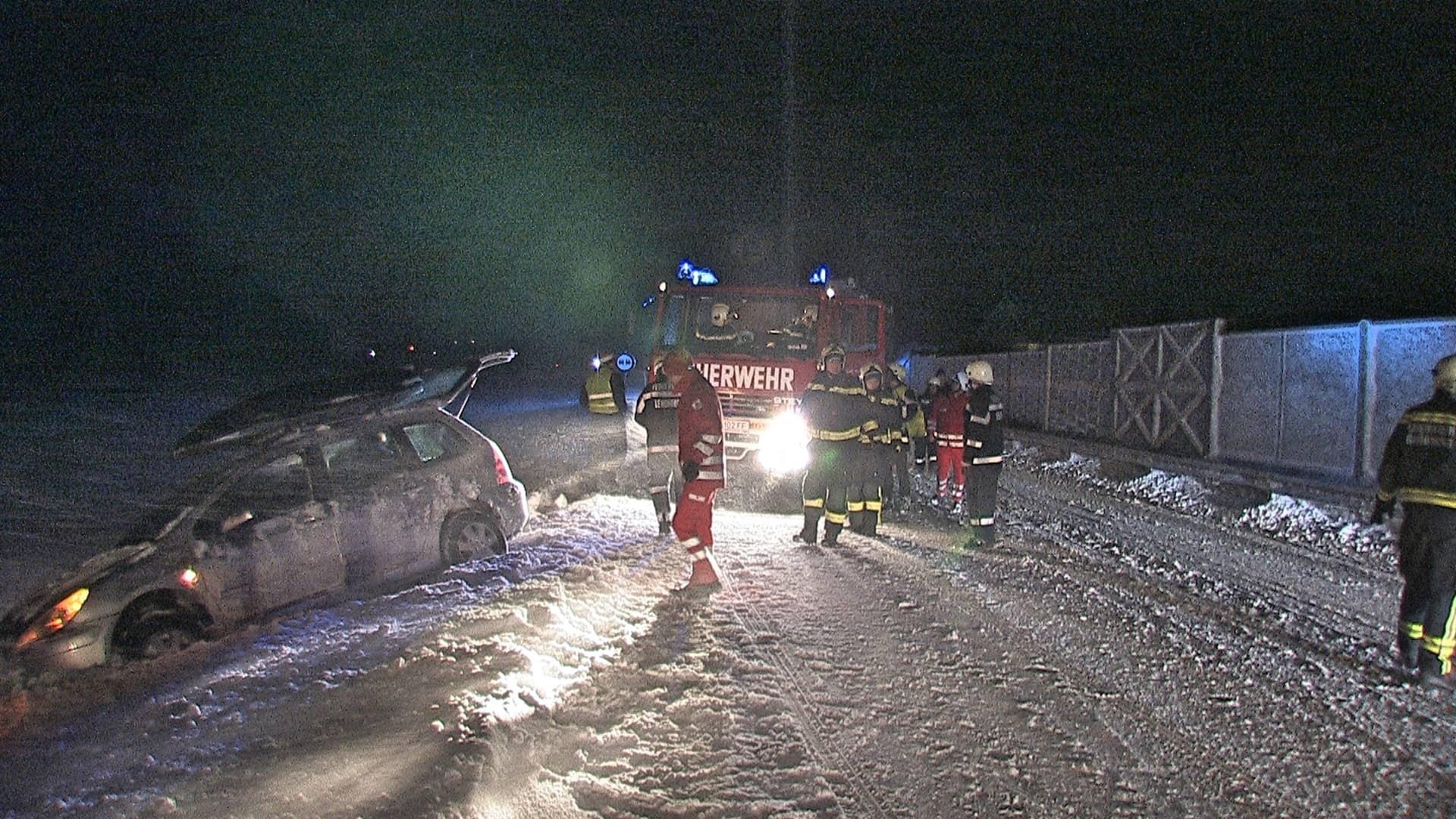 Zahlreiche schneebedingte Feuerwehreinsätze im Bezirk Liezen