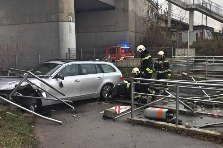 Verkehrsunfall im Gleisbereich der ÖBB