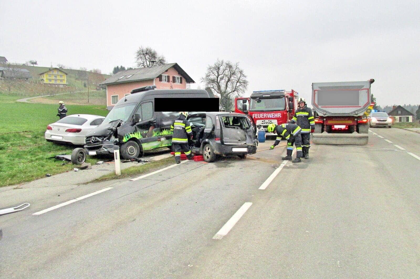 Verkehrsunfall auf der B76 in Rettenbach